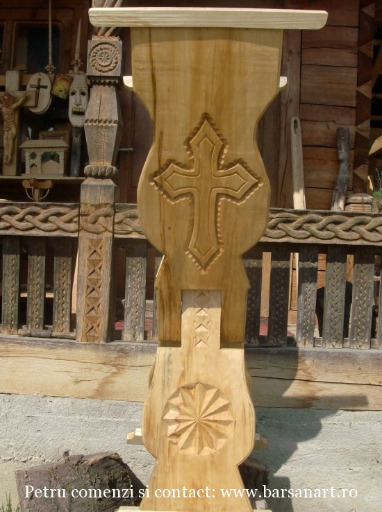 Analog sculptat din lemn tei