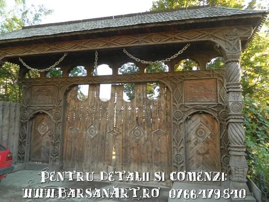 Poarta maramureseana din Barsana