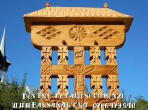Troita sculptata din lemn