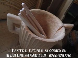 Vase traditionale din lemn