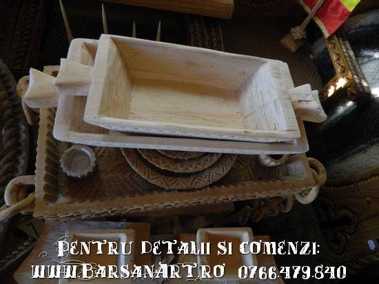 Covetica cioplita din lemn