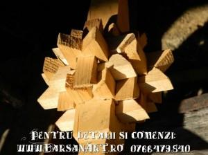 Detaliu fus din lemn
