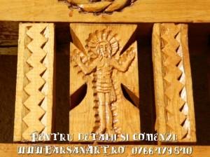 Detaliu troita de lemn