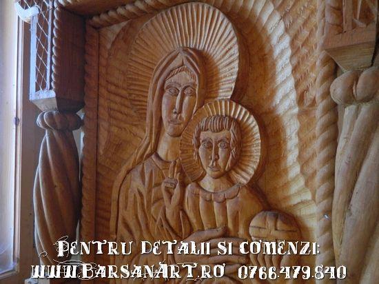 Icoana sculptata in lemn
