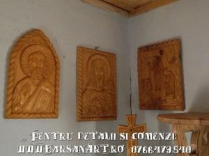 Icoane scupltate in lemn