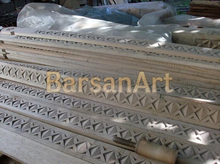 BarsanArt Detaliu lemn sculptat poarta maramureseana